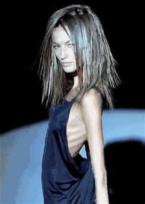 does pubic hair thin female super skinny photoshopped model