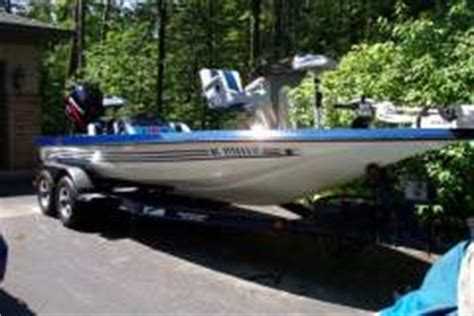 bass boat in storm storm bass boat 17 500