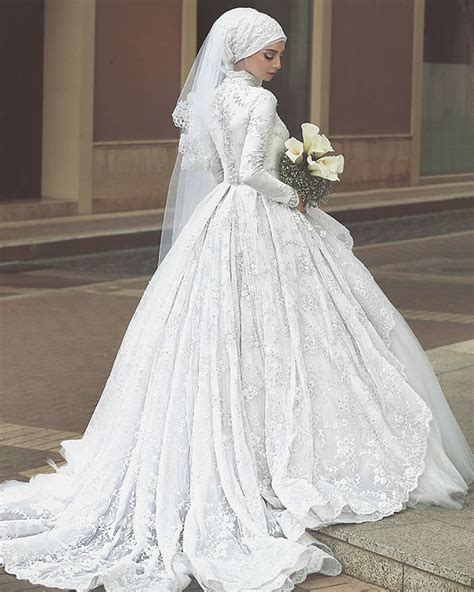 Islamic Wedding Gowns by 10 Traditional Islamic Wedding Dresses Demilked