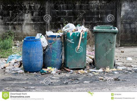 trash can garbage tanks stock images image 32185294