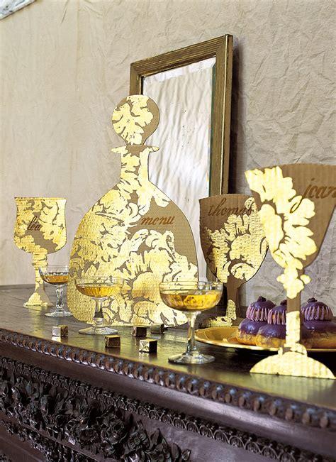 marque de vaisselle de table une vaisselle en or et en