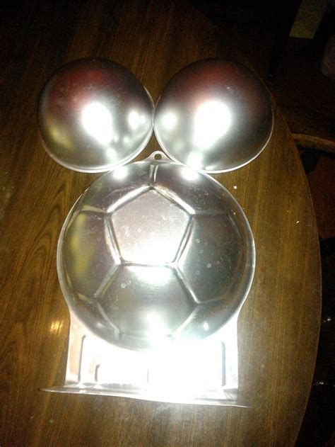 Baby Shower Cake Pans by 25 Best Ideas About Belly Cakes On