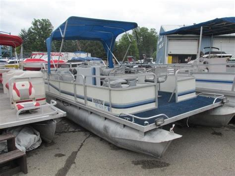 manitou pontoon boats for sale 1989 used manitou pontoon boat for sale 3 999 lansing