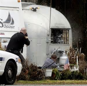 Shooting L by Officer Dead By Gunman In Ohio Trailer Park Daily Mail