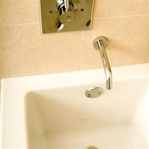 how to clean a really dirty bathtub 25 best ideas about plastic bathtub on pinterest