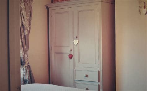 Wardrobe Paint Ideas by Up Cycling A Pine Wardrobe With Chalk Paint