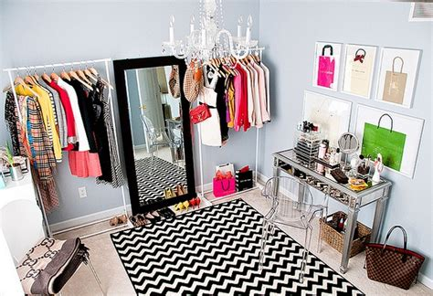 Diy Room Closet by Mg S Simple Style Diy Fashionista Dressing Room
