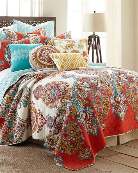 Luxury Quilts Paisley Luxury Quilt Print Quilts Bedding Bed Bath