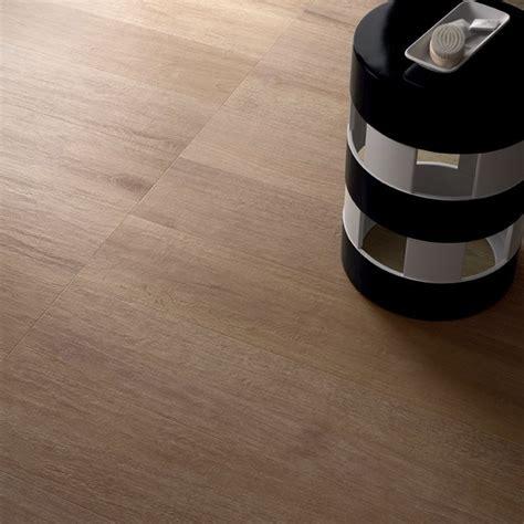 pavimento beige pavimento in gres porcellanato effetto legno note beige