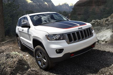 jeep trailhawk 2013 2013 jeep grand cherokee trailhawk and 2013 jeep wrangler moab