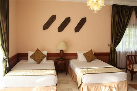 Book Direct Rooms by Family Villa