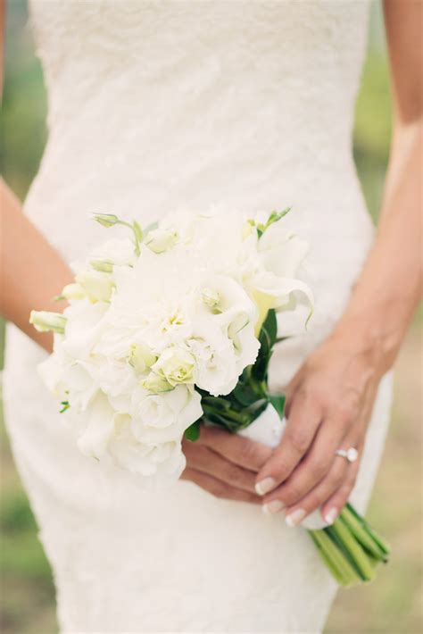 simple white bridal bouquet elizabeth anne designs the wedding blog