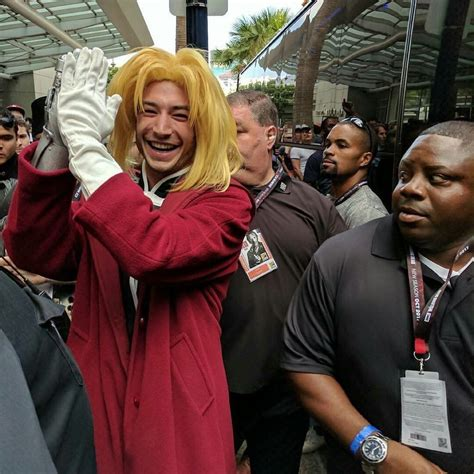 film seri flash jl flash ezra miller semangati fans akan live action fma