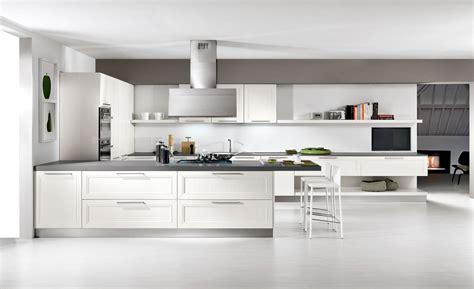 foto in cucina cucina il fascino eterno della luminosit 224 cose