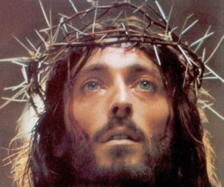 jesus christ wearing crown of thorns foto 2017
