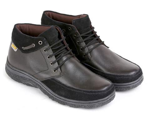 Sepatu Merk Everflow sepatu kulit pria e 154