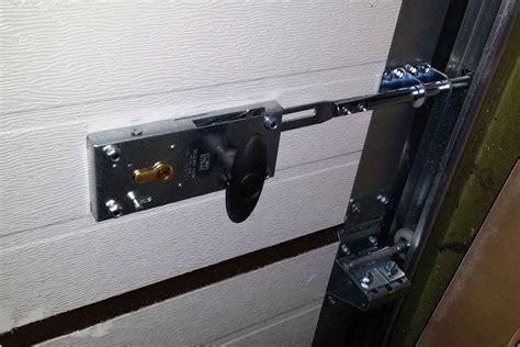 manual garage door lock  locksmith centerville