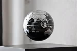 globe en l 233 vitation un objet d 233 co tr 232 s divertissant