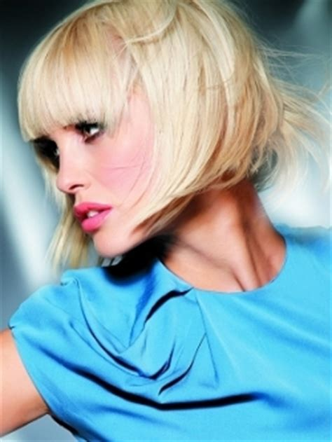 inverted bob on heart shape medium hairstyles for heart shaped face
