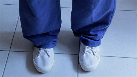 expert advice on how to clean white canvas shoes wikihow