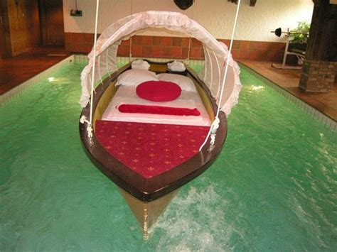 cheap water beds cool water beds dream house pinterest water