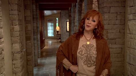watch reba s empowering new going out like that video reba photoshoot behind the scenes youtube