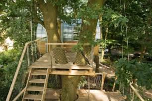 baum le cabane dans les arbres elliptique par baumraum chambre237