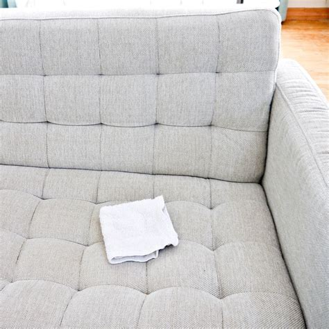 Clean Microfiber Sofa Fabric by 17 Best Ideas About Cleaning On Cleaning