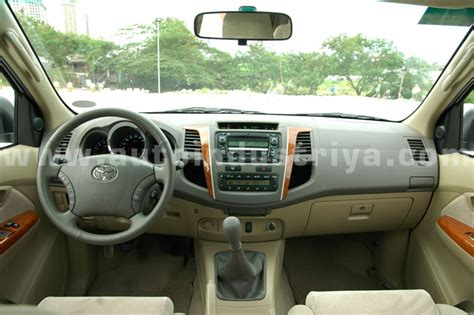 2011 Toyota Fortuner 2 5g A T 2010 toyota fortuner 2 5g trd sportivo car reviews