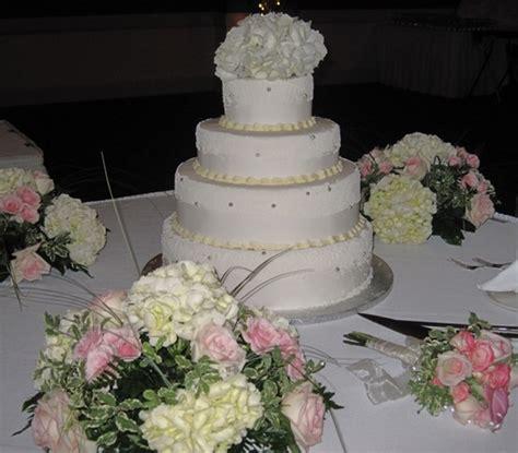wedding cake table display wedding cake display table