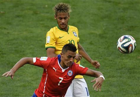 alexis sanchez language alexis sanchez can t wait for neymar showdown goal com