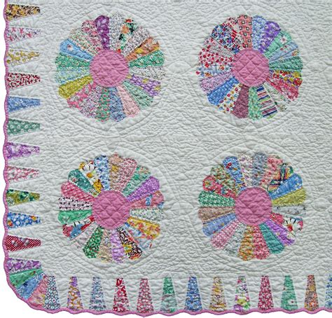 Quilt Dresden Plate Pattern by Dresden Plate Quilt Q Is For Quilter