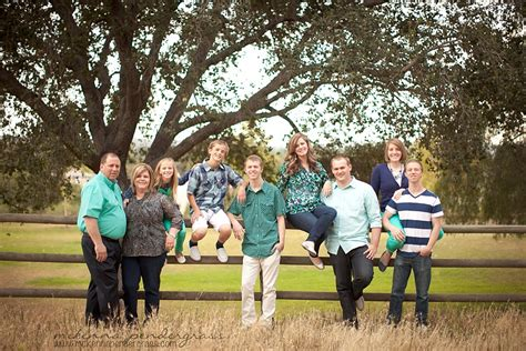 Colors For Family Pictures Outside