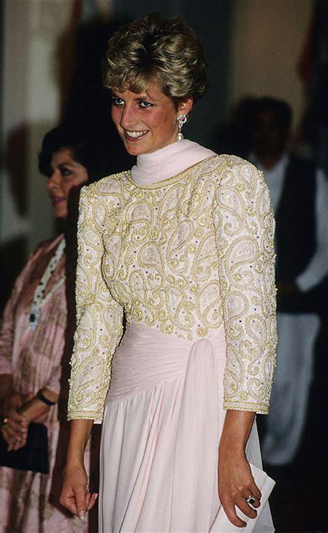 lady diana dresses the dresses by princess diana s favourite designer