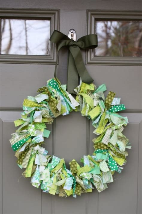8 cool diy wreaths and buntings for st patrick s day