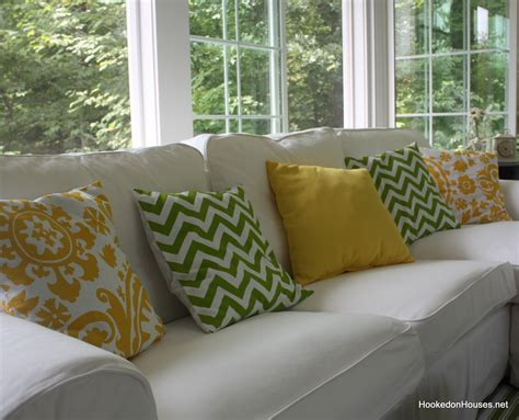 Pillows For Sofa Simple Home Decoration How To Decorate Sofa With Pillows