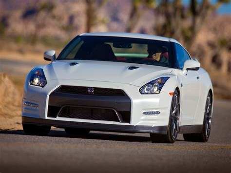 new nissan sports car 2015 nissan gt r r35 facelift specs 2011 2012 2013