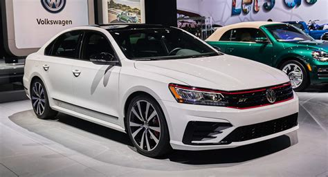 Volkswagen Lineup 2019 by Vw Cuts 2019 Passat Lineup To Just Two Trim Levels Drops