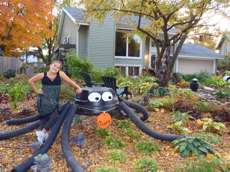 How To Make A Large Spider Decoration by Spider Decoration Coronado