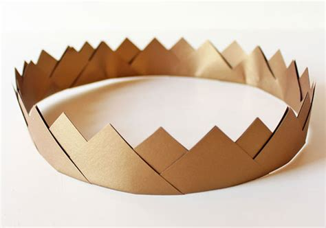 How To Make Crowns Out Of Construction Paper - how tuesday gold paper crown the etsy