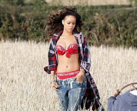 Mash Up Songs by Rihanna Goes For Quot We Found Love Music Video
