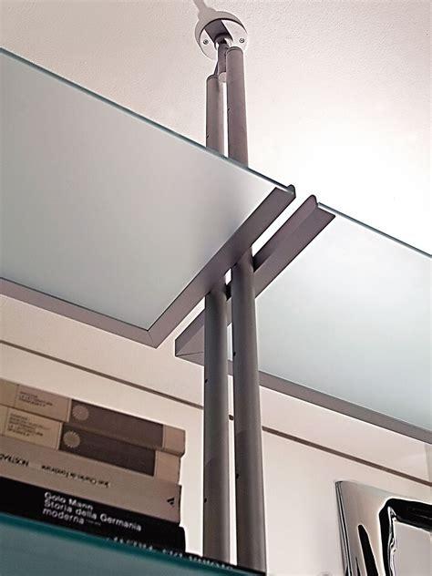 fissaggio a soffitto libreria bifacciale con fissaggio pavimento soffitto in