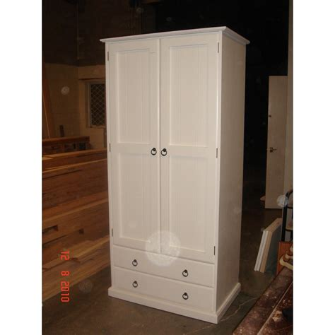 Customised Wardrobes by Woodpia Custom Wardrobe W2