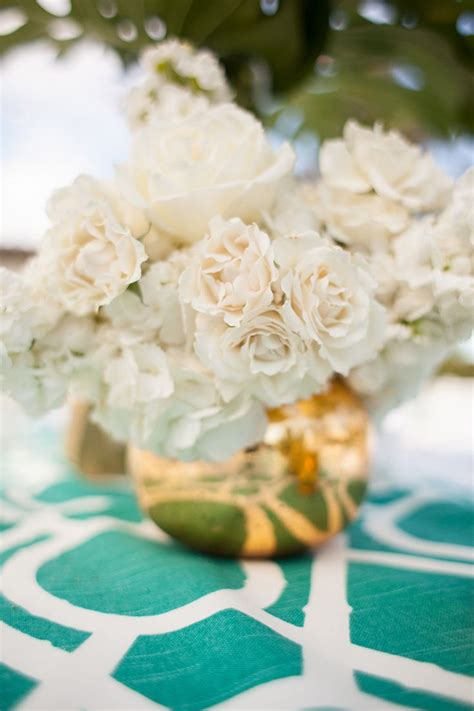 white and gold centerpieces modern garden in southern california centerpieces white centerpieces and white flowers
