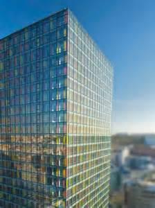 montreuil epaf loue 1 351 m 178 de bureaux dans la tour