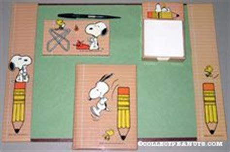 Snoopy Desk Accessories Peanuts Desk Sets Pieces Toys Memories And Desk Set