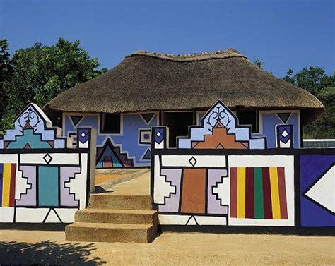 Tradisionele Xhosa Hutte by Geometriese Patrone By Verskillende Kultuurgroepe In Suid