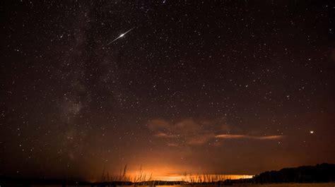 August 11 13 Meteor Shower by Shooting Light Up Skies As Perseid Meteor Shower