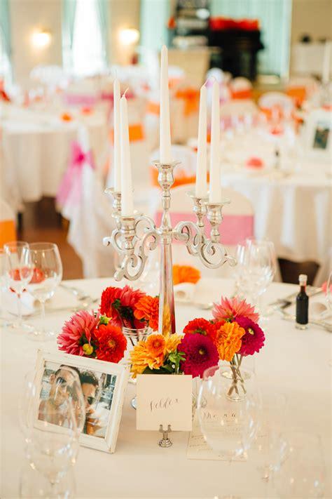 Tischdeko Verlobungsfeier by Bunte Vintage Hochzeit Im Schloss In Rot Orange Pink
