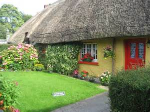 pictures of cottages in ireland 10 piccoli fiabeschi cottages